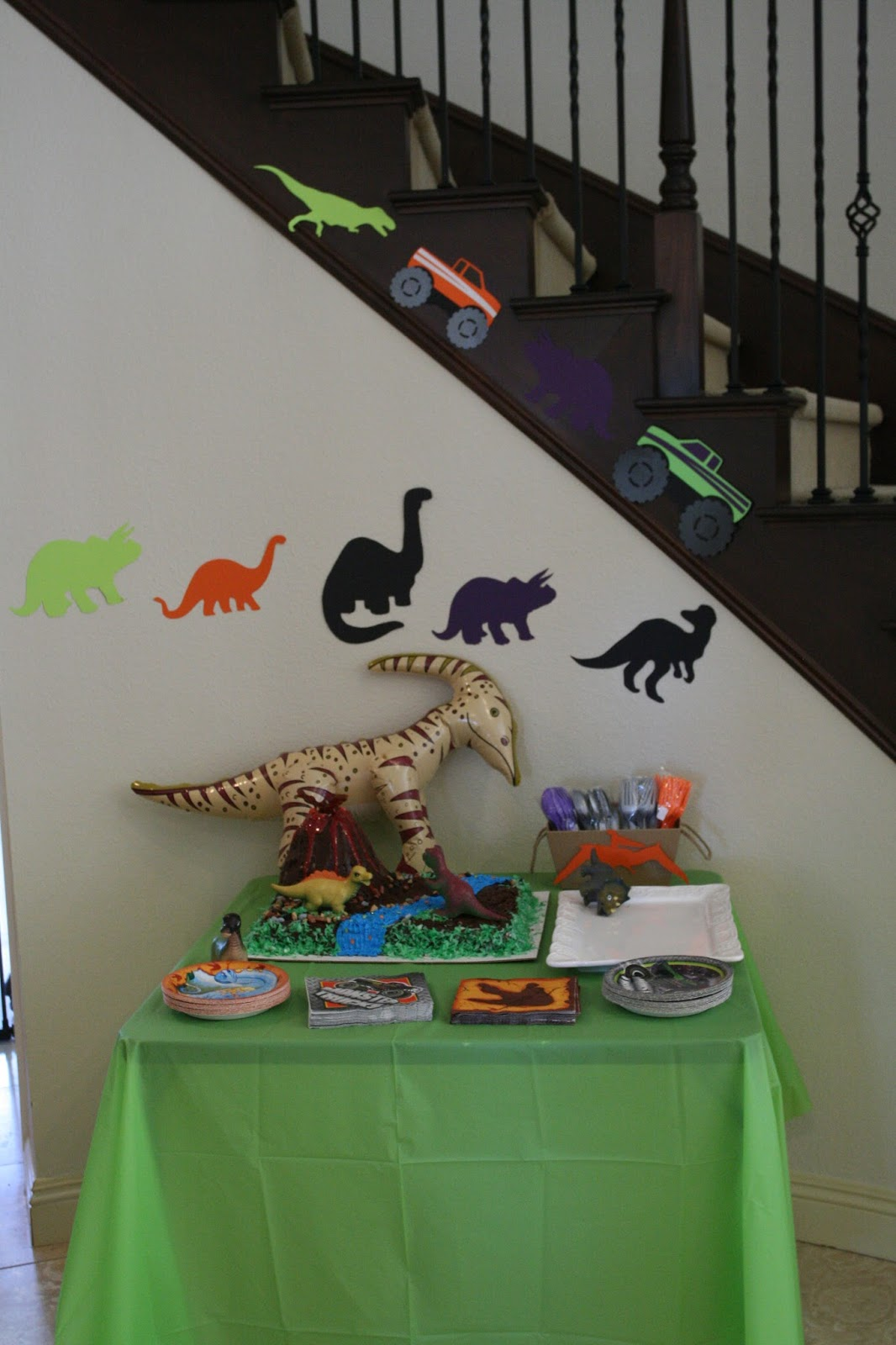 Dinosaur Party from Foxy's Domestic Side