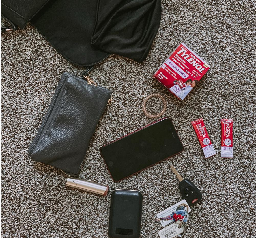 You can put Tylenol Dissolve Packs in your purse and not worry about anything leaking. So when you have an emergency this Fall cold season you know where to grab them